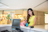 Woman Paying credit card for purchases — Stok fotoğraf