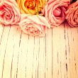 Vintage retro background with roses — 图库照片