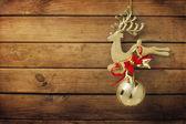 Ornamento di natale dorato cervi — Foto Stock