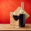 Background with wine and matza for passover celebration — Stock Photo
