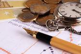 墨水笔钱和手表 — 图库照片
