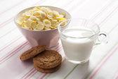 Breakfast with cornflakes — Stock Photo