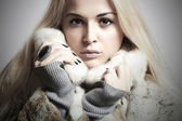 Beauty blond Model Girl in Mink Fur Coat.Beautiful Woman — Stock Photo
