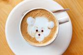 šálek kávy s dekorace — Stock fotografie