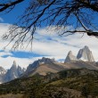 Mountains Fitz Roy and Cerro Torre from El Chalten. — Stock Photo