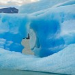 Iceberg in lake Argentino near Upsala glacier. — Stock Photo #19565869