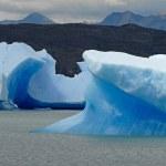Iceberg in lake Argentino near Upsala glacier. — Stock Photo #19566181
