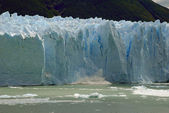 Collapse on the Perito Moreno Glacier in Patagonia, Argentina. — Stock Photo