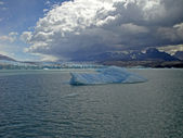 Iceberg in lake Argentino — Stock Photo