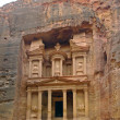 Facade of the Khasneh (Treasury) at Petra. — Stock Photo
