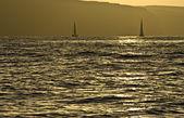 Zwei yachten im atlantischen ozean, — Stockfoto