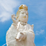 Kuan Yin image of buddha Chinese art on blue sky — Stock Photo