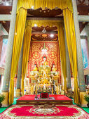 Big buddha statue beautiful in the church of the Wat phrathat do — Zdjęcie stockowe