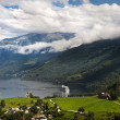 Geiranger fjord, Norway with cruise ship — Stock fotografie