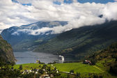 Geiranger fjord, Norway with cruise ship — Foto Stock