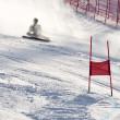 Brasov-Rumänien - Europäischen Olympischen Jugend --Winterfestival 2013. Junge Skirennläufer während ein Slalom-Wettbewerb fallen — Stockfoto