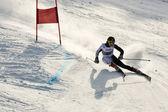 Brasov romanya - avrupa gençlik olimpiyat - kış festivali 2013. genç kayak yarış sırasında bir slalom rekabet. — Stok fotoğraf