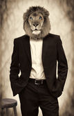 Man with lion head — Stockfoto