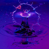 Broad Shield of Water from a Waterdrop — Foto de Stock