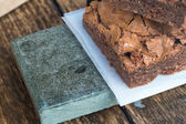 Brownies de chocolate & mesa de madera (2) — Foto de Stock