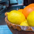 Foto Stock: Lemons & Oranges in Bowl (2)