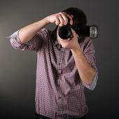 Fotografo con fotocamera — Foto Stock