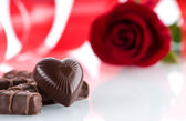 Heart,chocolates and flower — Stock Photo