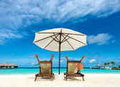 Couple on a tropical beach at Maldives — Stock Photo