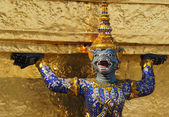 Statue in Wat Phra Kaew. — Stock Photo