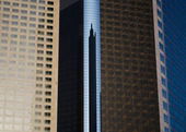 Skyscraper reflected — Stock Photo