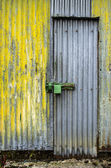 Weathered door — Stockfoto