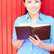 Pretty Woman Reading Bible — Stock Photo