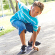 Little boy Skateboarding At Park — Stockfoto