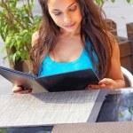 Young Woman Reading Menu Card — Stock Photo