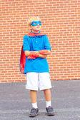 スーパーマンとして服を着た少年 — ストック写真