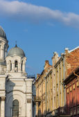 Kaunas St. Michael the Archangel church and old houses — Stock Photo