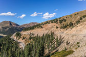 Winding road on the Loveland Pass in Colorado — 图库照片