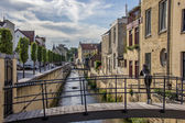 Canal and bridge in the center of Valkenburg — Stock Photo