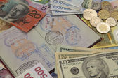 Reizen paspoort en geld — Stockfoto