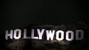 Hollywood Sign Spotlight — Stockvideo