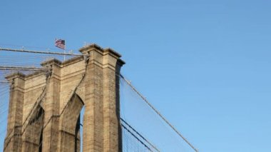 Flag on Brooklyn Bridge — Stock Video