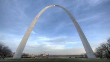 St. Louis Arch Sunset — Stockvideo
