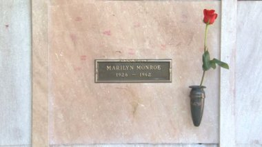 Marilyn Monroe's Crypt — Video Stock