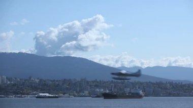 Waterplane taking off — Stock Video