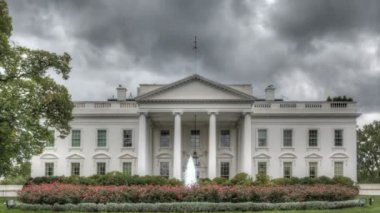 Dark clouds over the White House — Stock Video