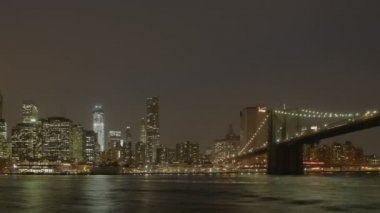 Manhatten skyline brookly köprüsü — Stok video