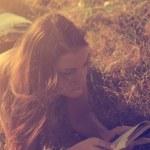 Vintage photo of reading woman — Stock Photo