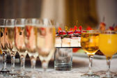 Drinks on festive table — Stock Photo