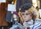 Mannequins head at flea market — Stock Photo