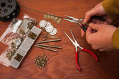 Cutting chain jewellery making — Stock Photo